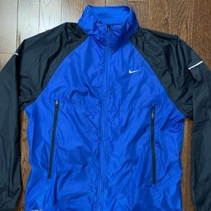 Nike Storm-Fit Windbreaker (L)